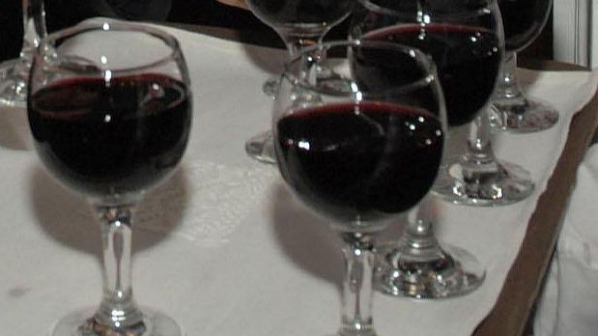 Франция към Тръмп: Не бъркайте митата за виното с облагането на цифровите услуги