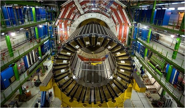 Първи сблъсъци на частици в Големия адронен колайдер