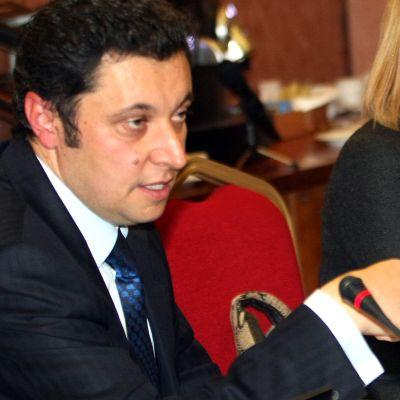 Яне Янев поиска 11 министерски оставки