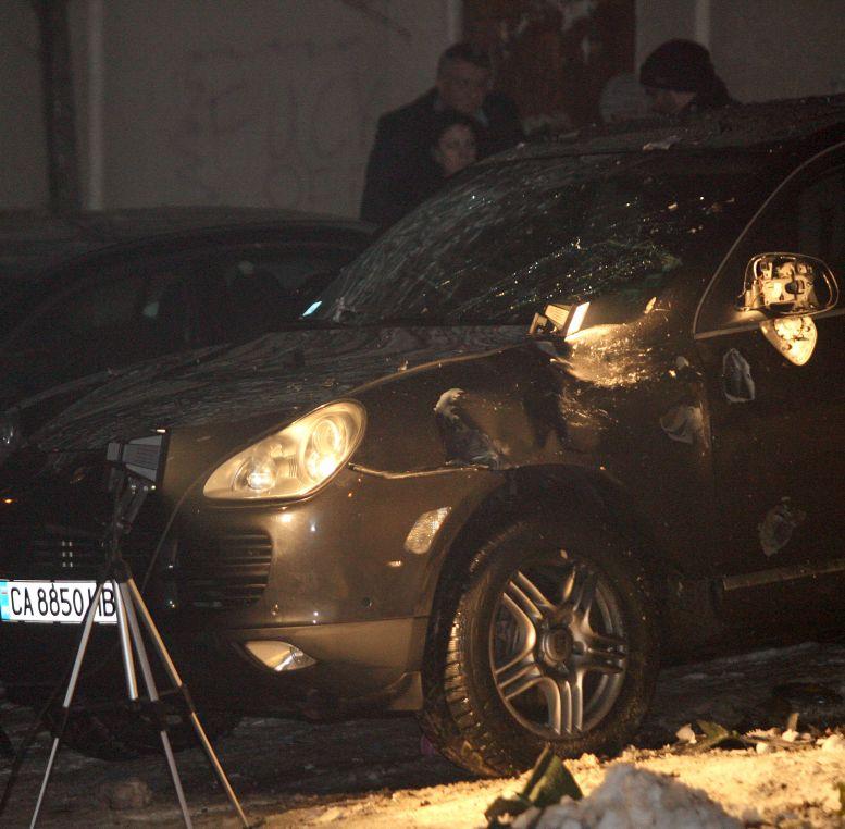 Взривиха кофа до джипа на Делян Пеевски