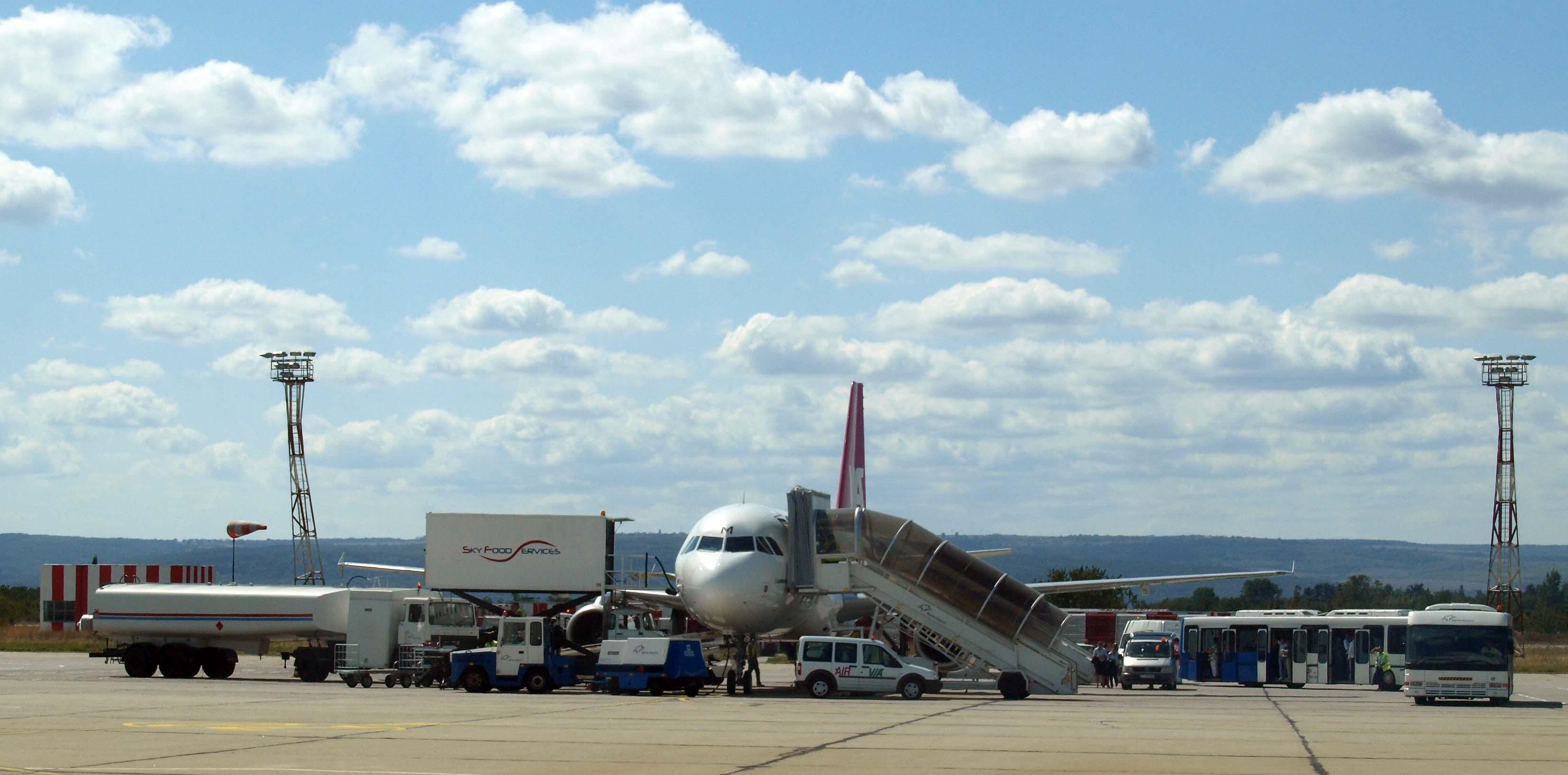 Летищата в България отчитат рекорден трафик през последните години