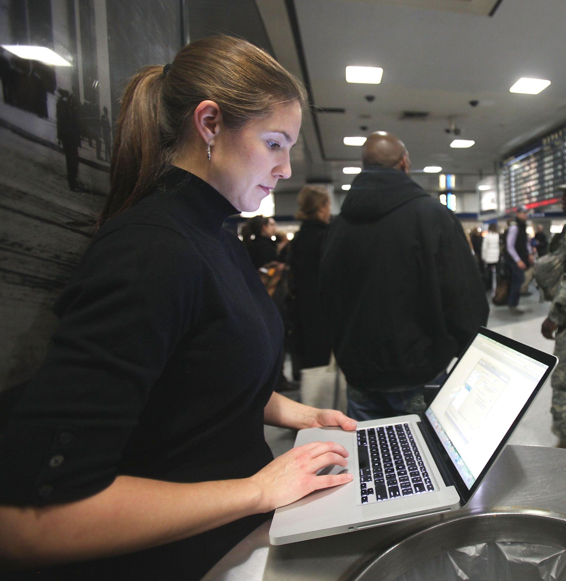 Жените доминират в интернет