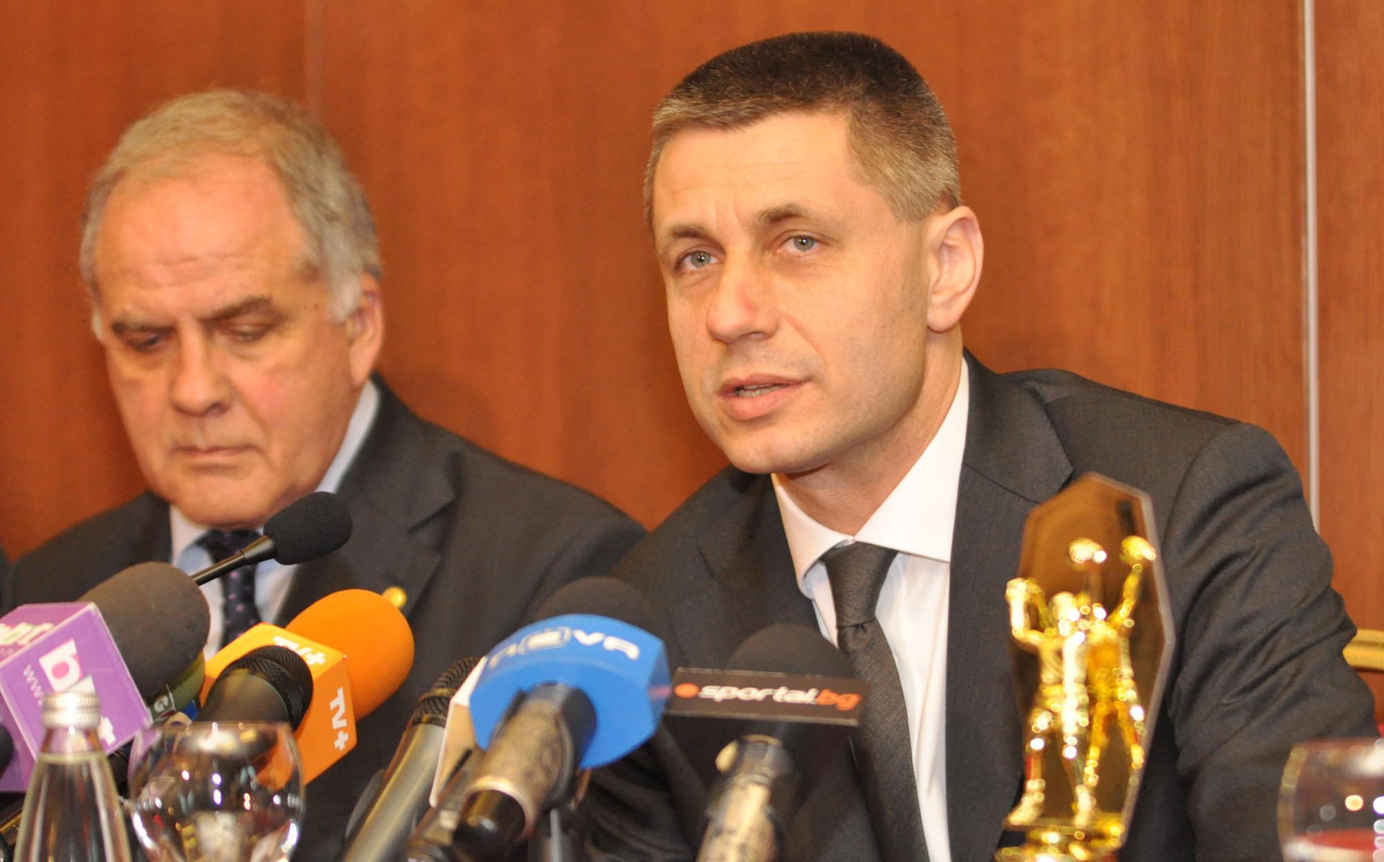 Радо Стойчев няма да натурализира чужди волейболисти