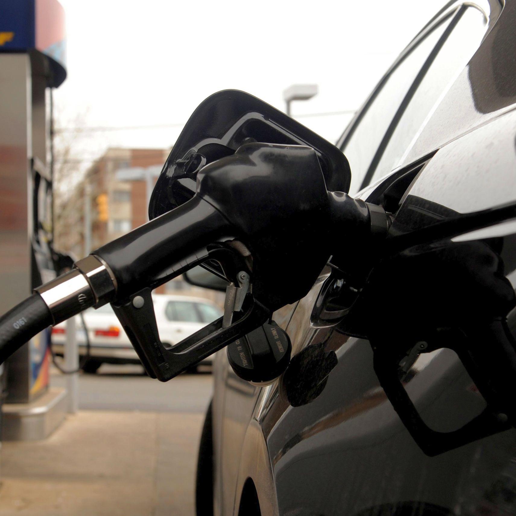 Иран иска извънредно събрание на страните от ОПЕК заради цените на петрола