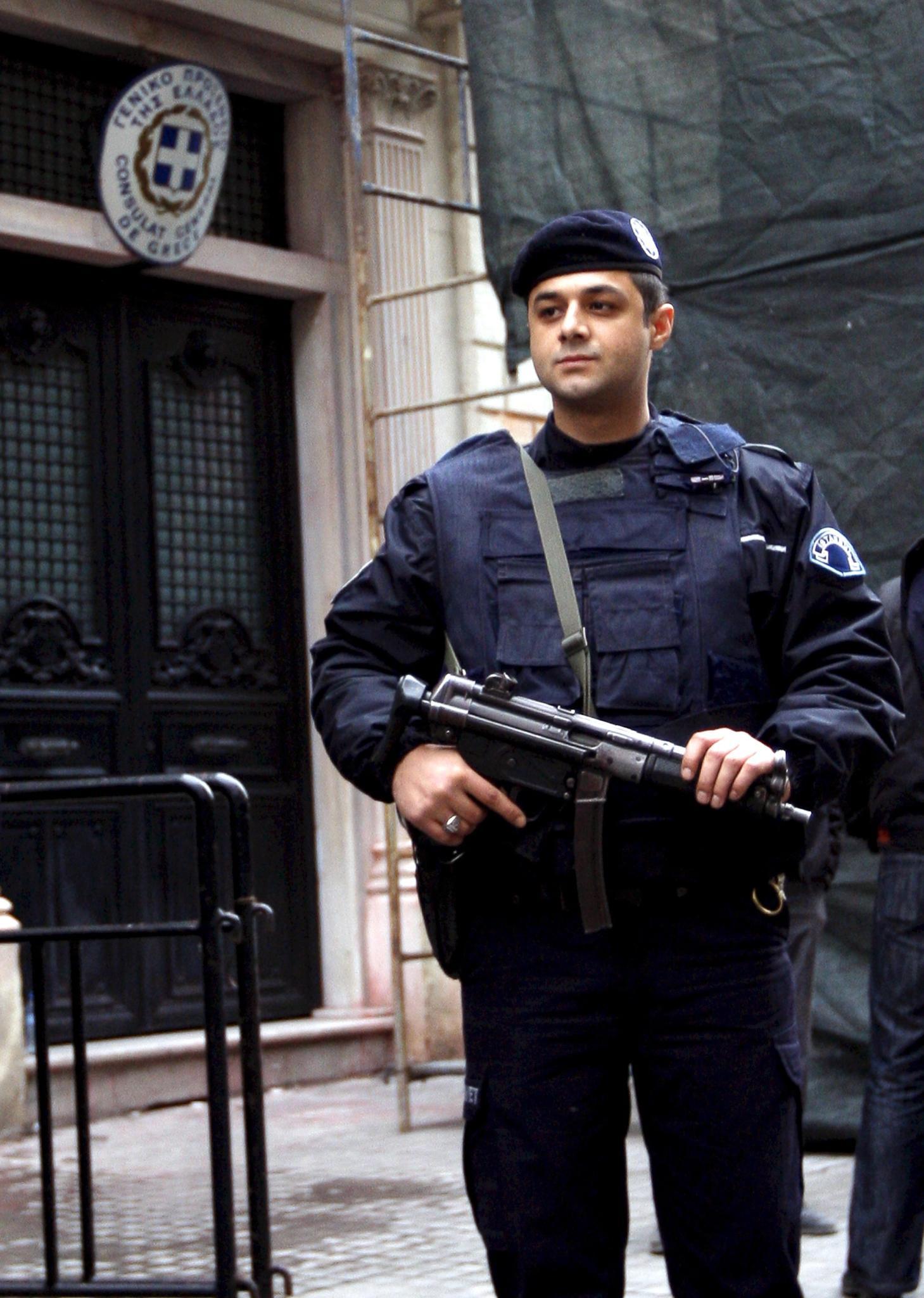 46 г. затвор грозят бивш почетен консул на България