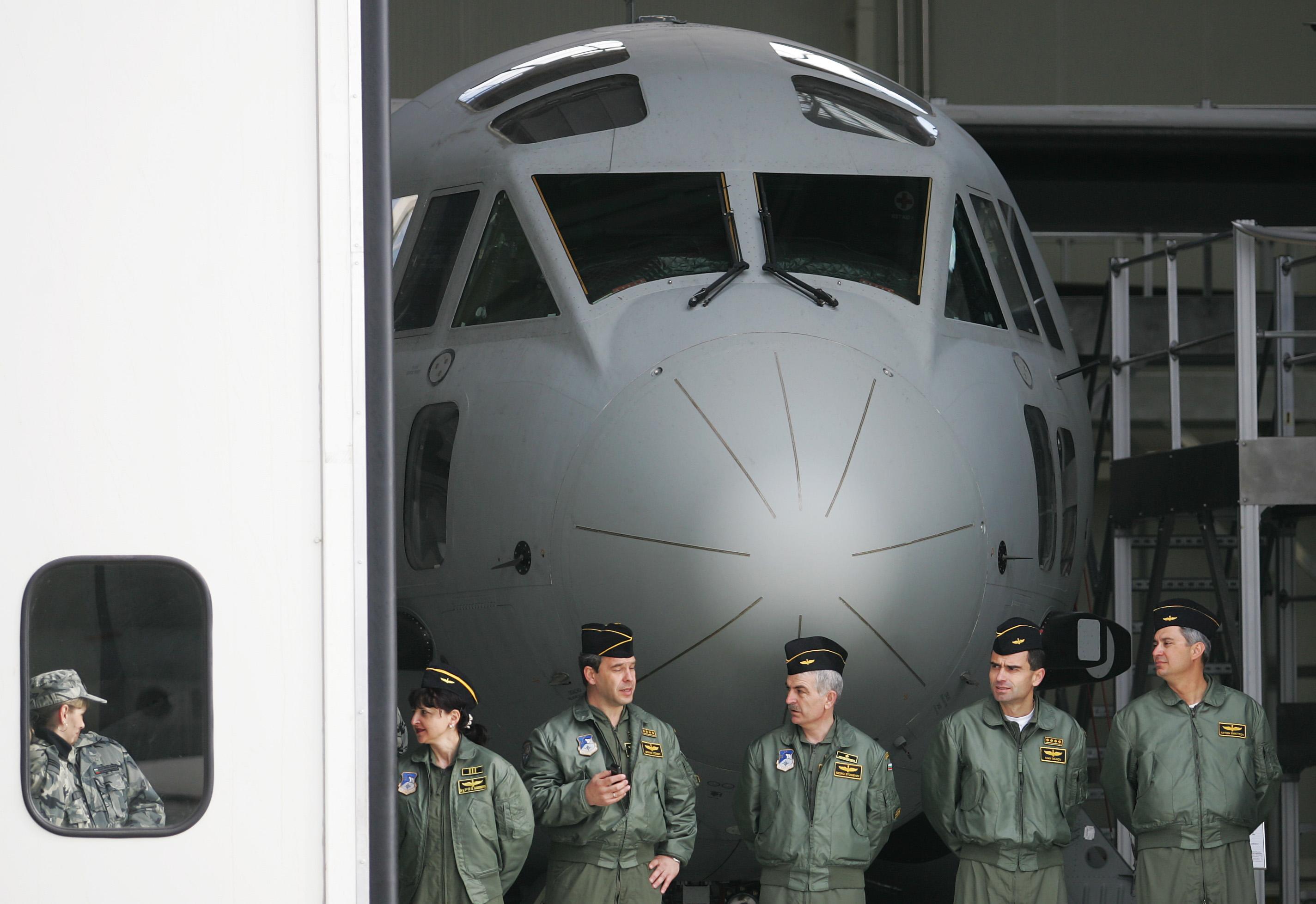 """Армията се сдоби с трети самолет """"Спартан"""""""
