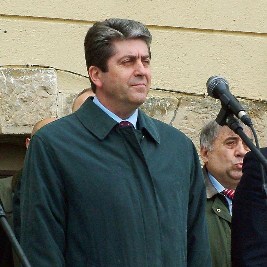 Първанов се закача с Искра Фодосова за политиката