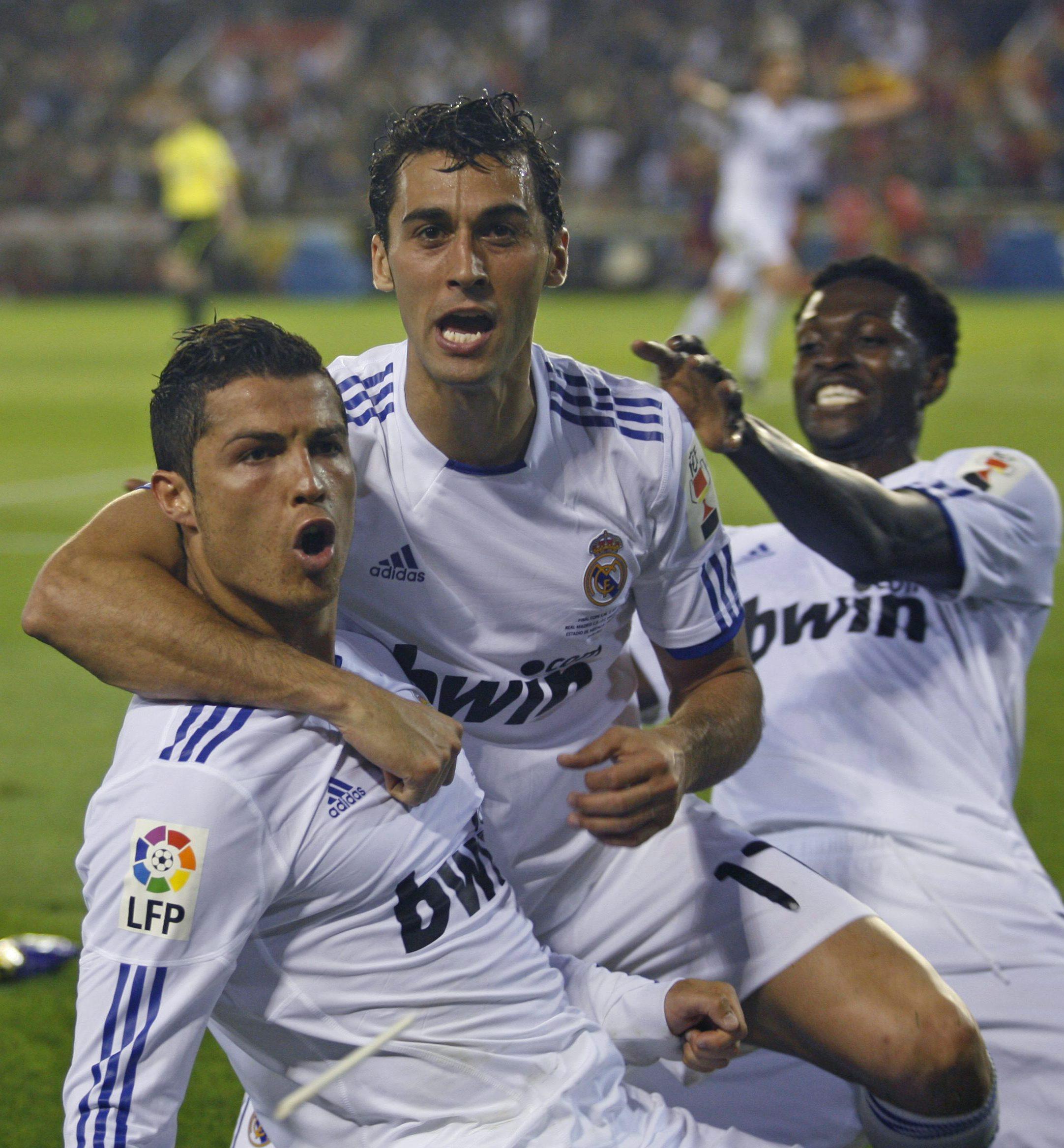 Реал победи Барса и триумфира с Купата на Краля