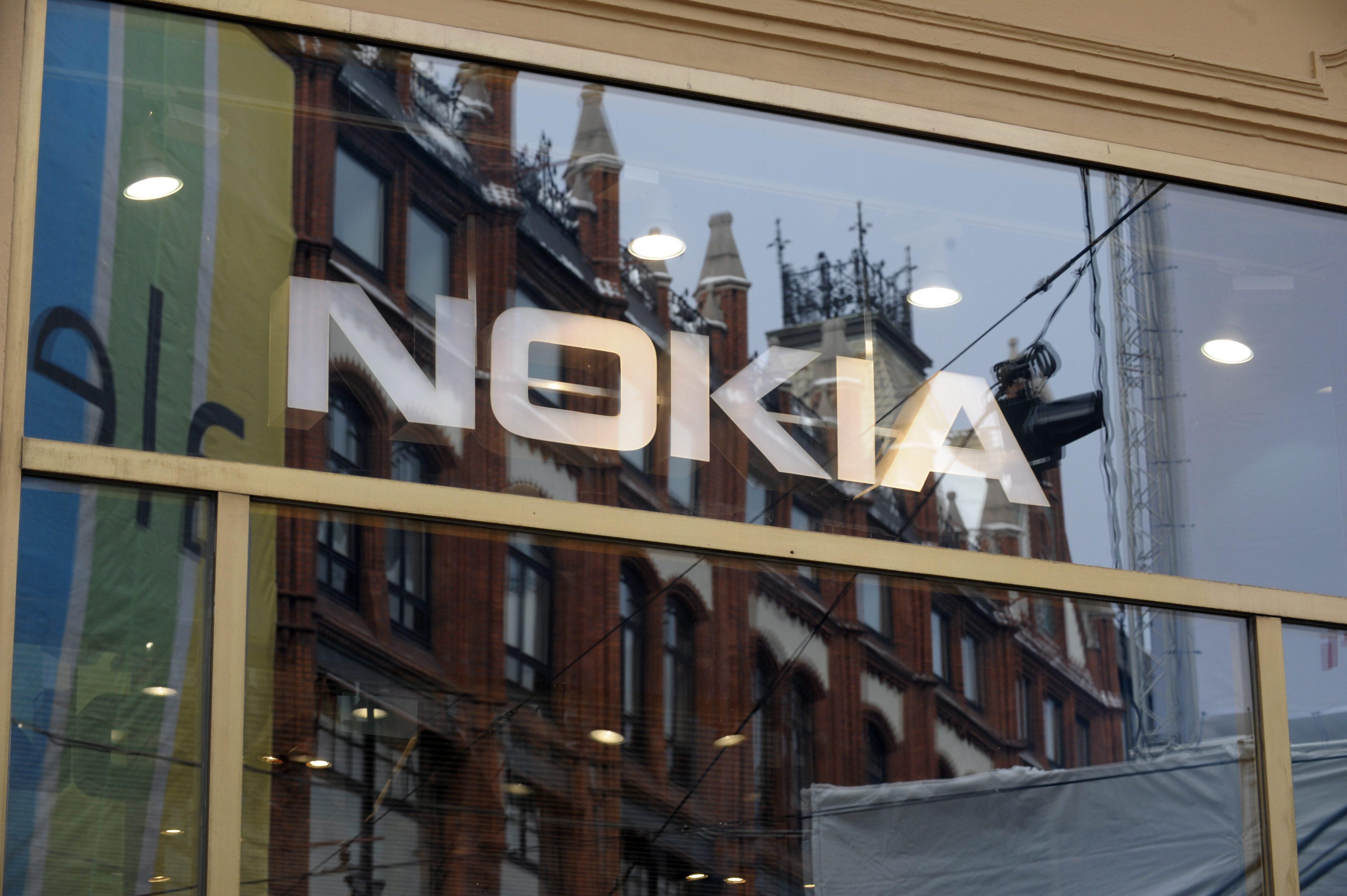 Nokia обеща потресаващ WP смартфон