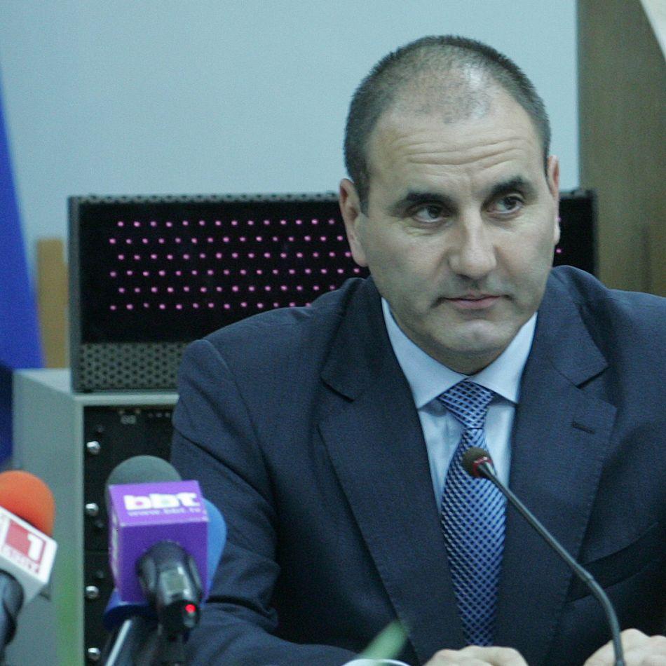 Цветанов: Бивш национал е бос на черното тото