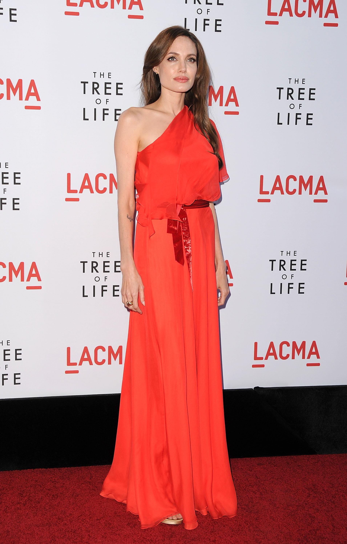 """Роклята на Анджелина за премиерата на """"Дървото на живота"""""""