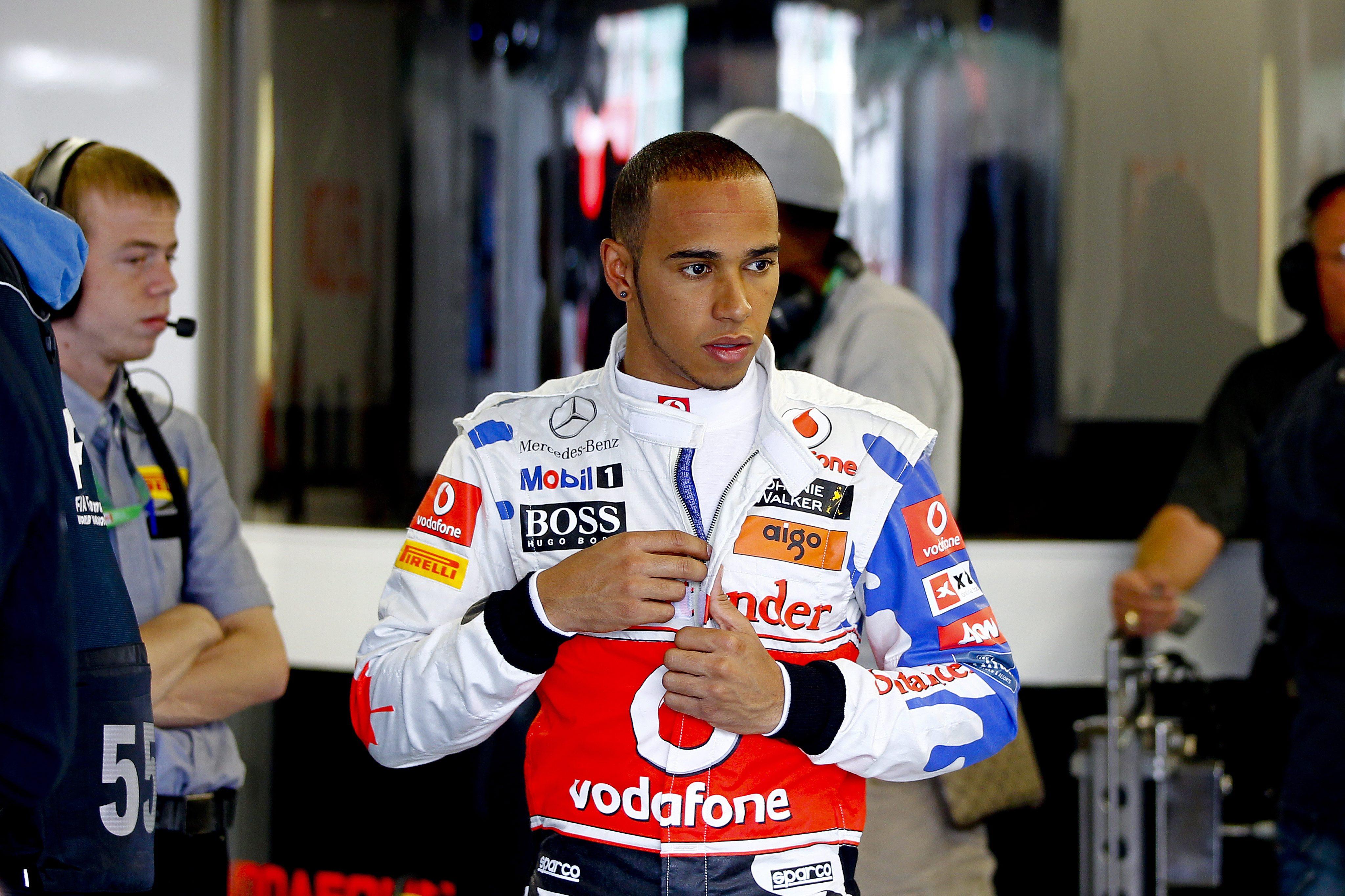Хамилтън най-бърз на 2-та тренировка в Бразилия