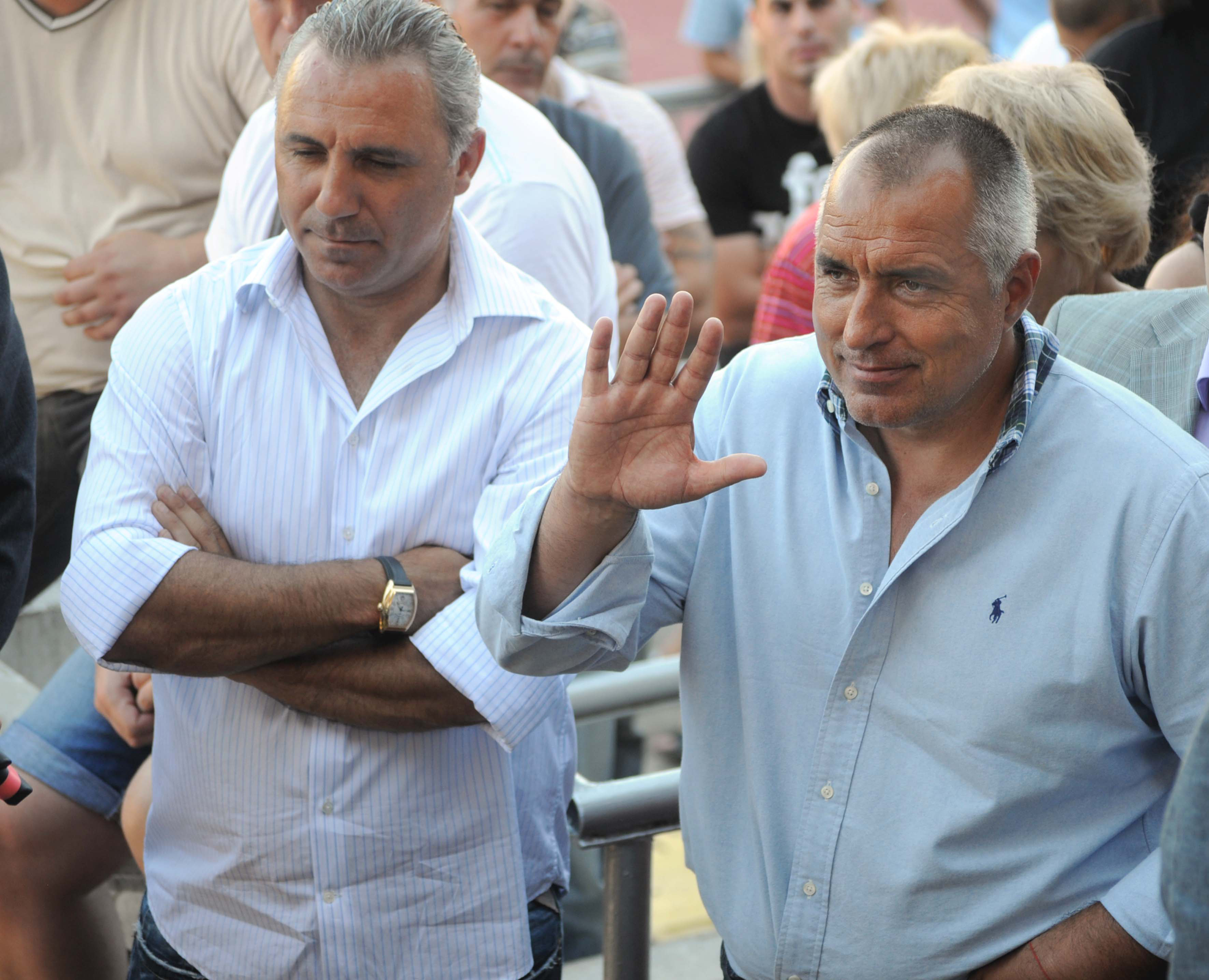 В отворено писмо Стоичков защити Плевнелиев и го подкрепи за вота