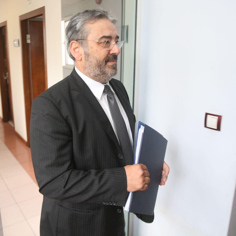 Шефът на ДКЕВР отказва да подаде оставка