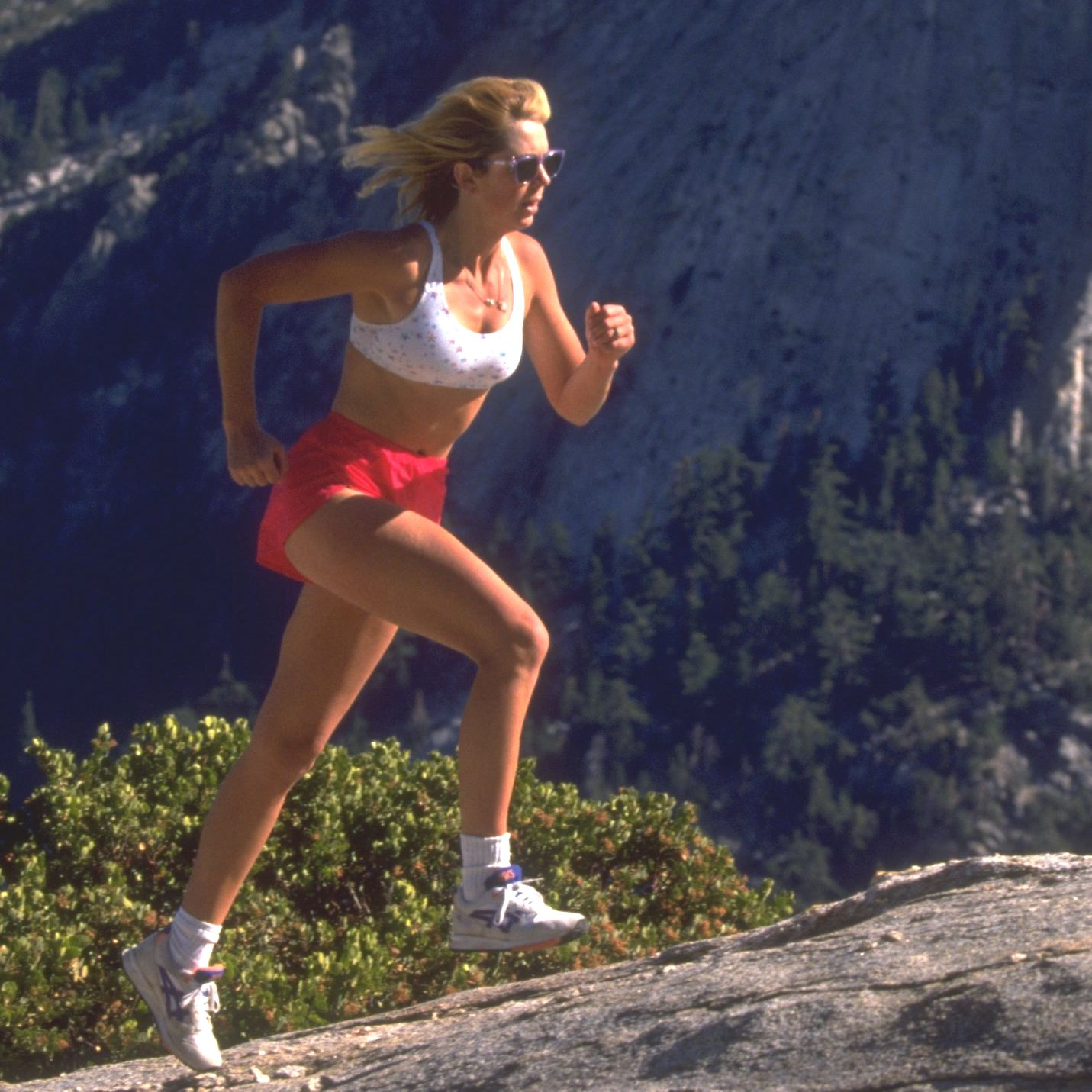 Бягането бос подобрява мозъчните функции