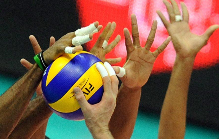 Чехия и Италия започнаха с победи Евроволей 2011