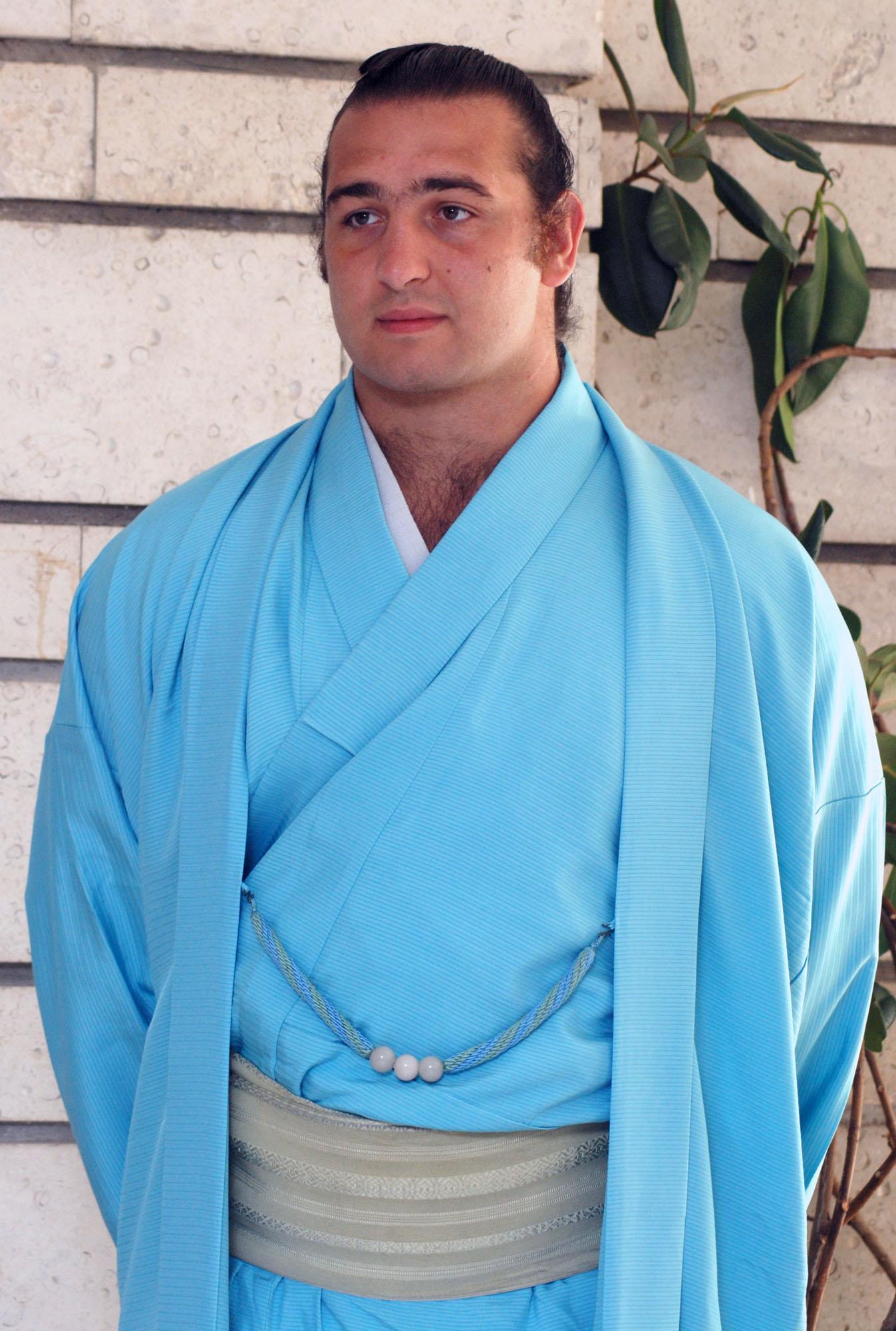 Котоошу с най-слабия си сезон в професионалното сумо