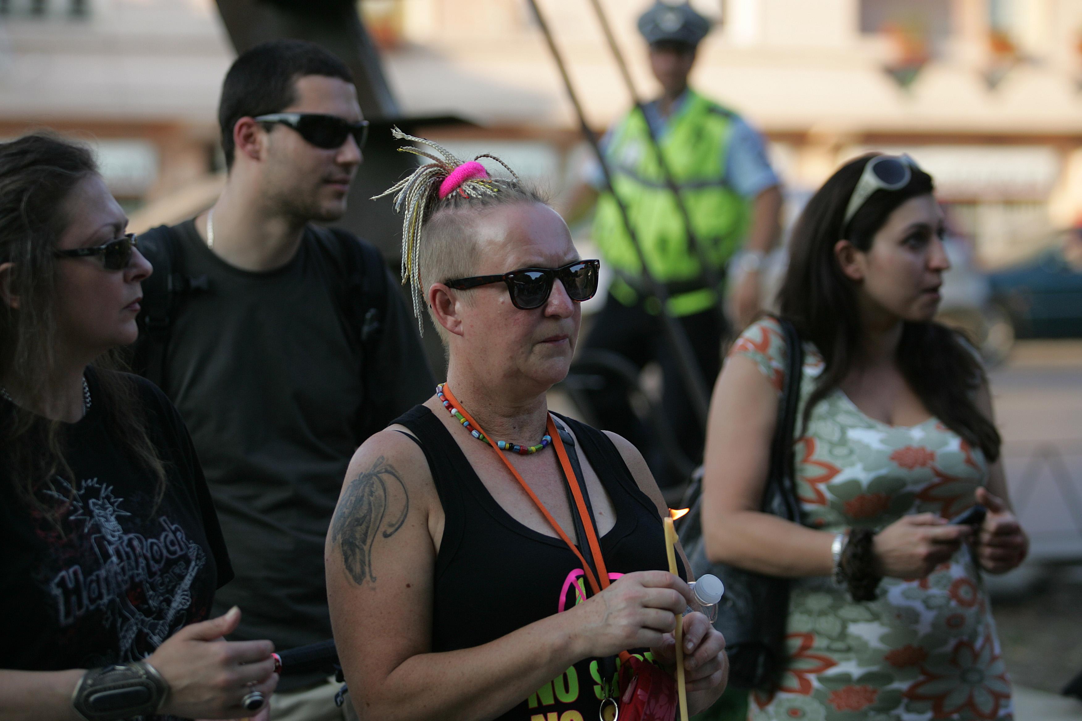 Стотици се събраха на шествие в памет на убитата Яна