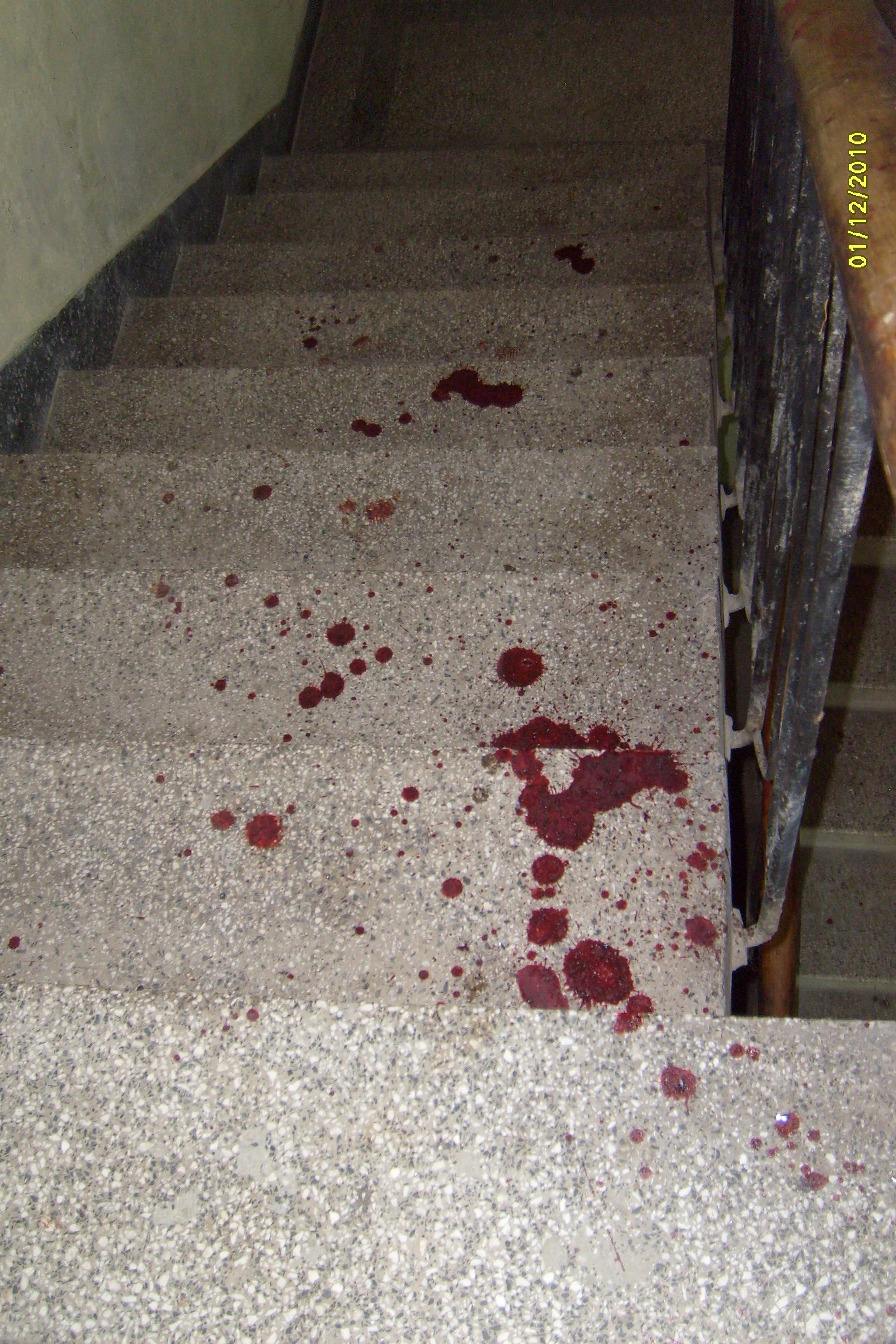 Младеж почина от кръвозагуба след меле с ножове