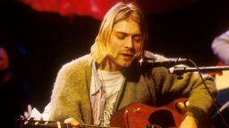 """Акустичната китара на Кърт Кобейн от шоуто """"Unplugged"""" отива на търг"""