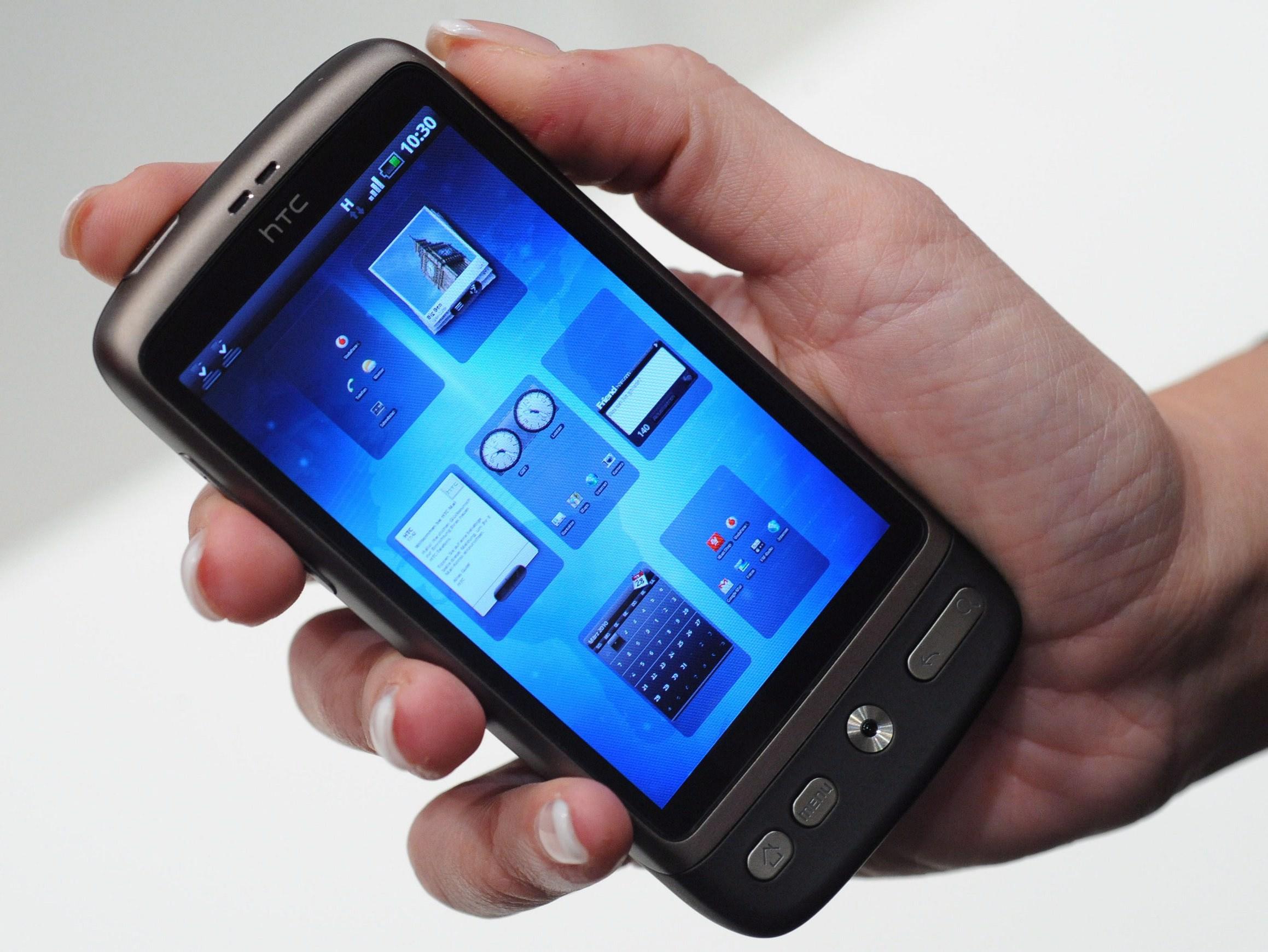 HTC обмисля купуването на мобилна ОС