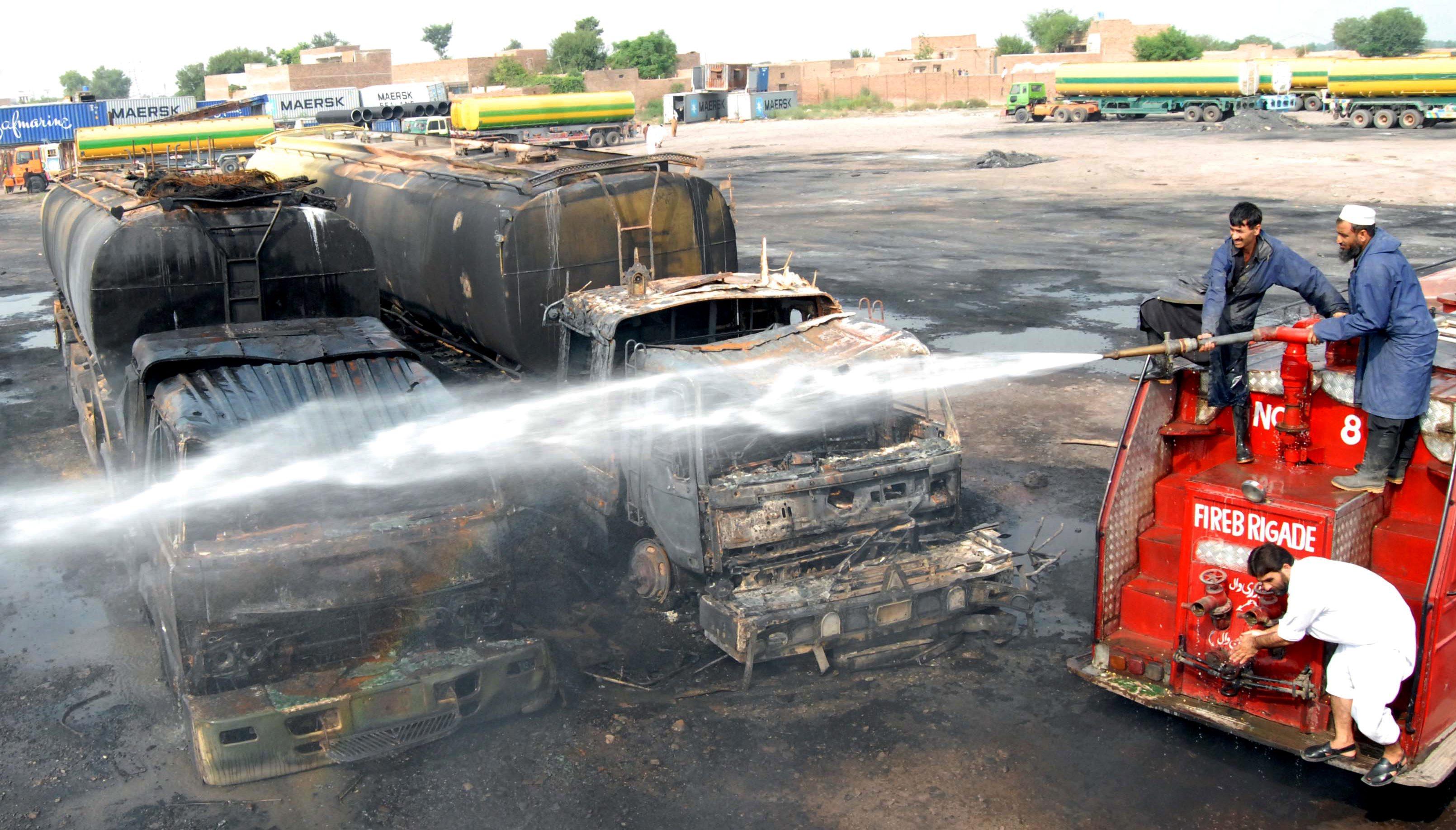 Водят се битки край свален хеликоптер на НАТО в Афганистан