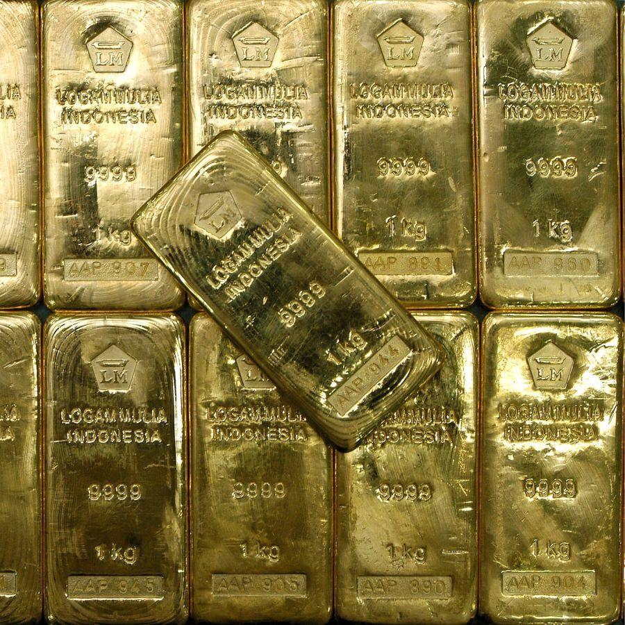 Инвеститорите бягат от златото и суровините