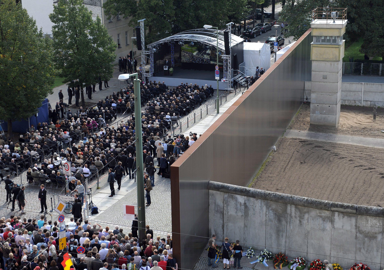 50 години от издигането на Берлинската стена