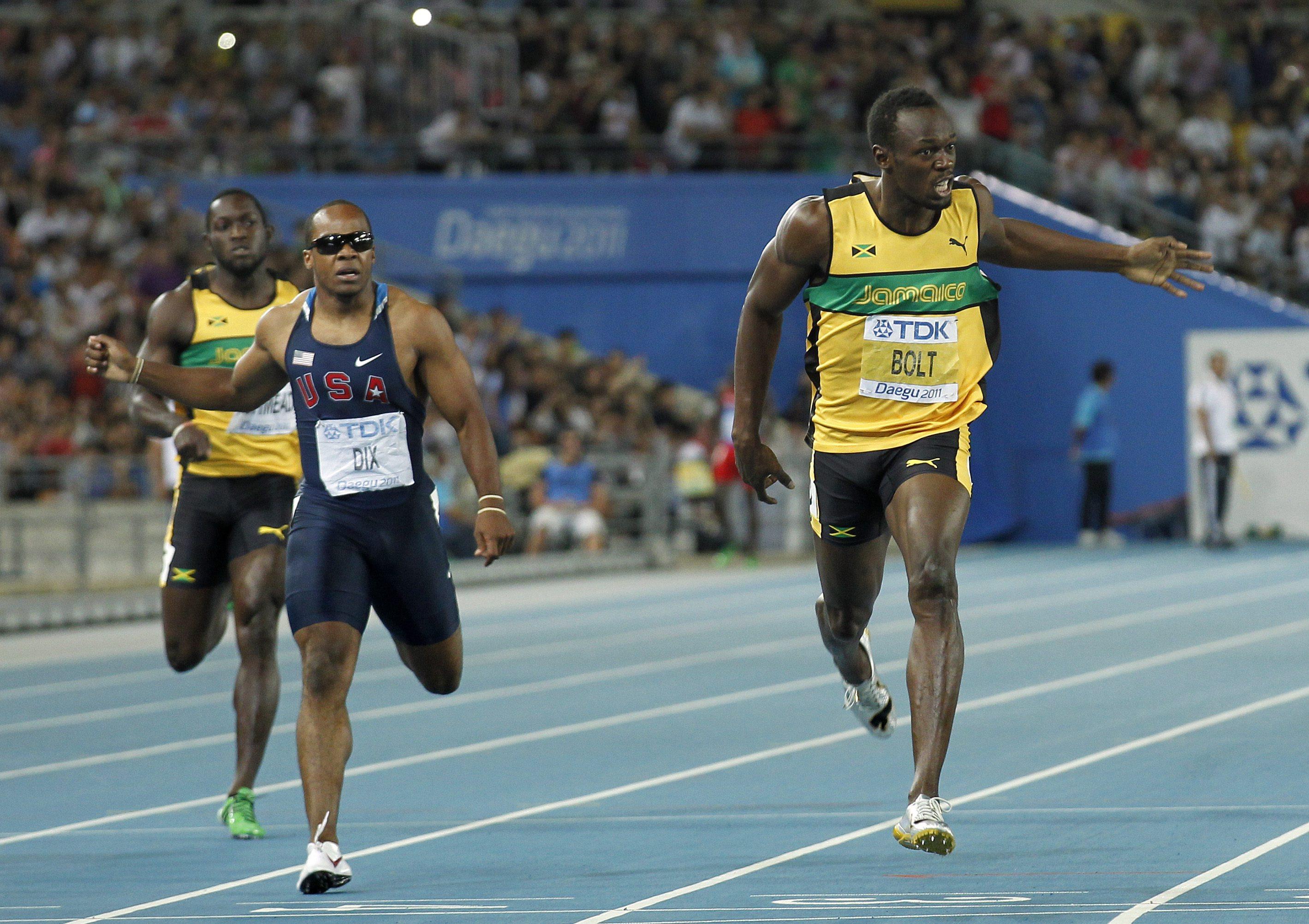 """Болт отново """"полетя"""" към титлата на 200 метра"""