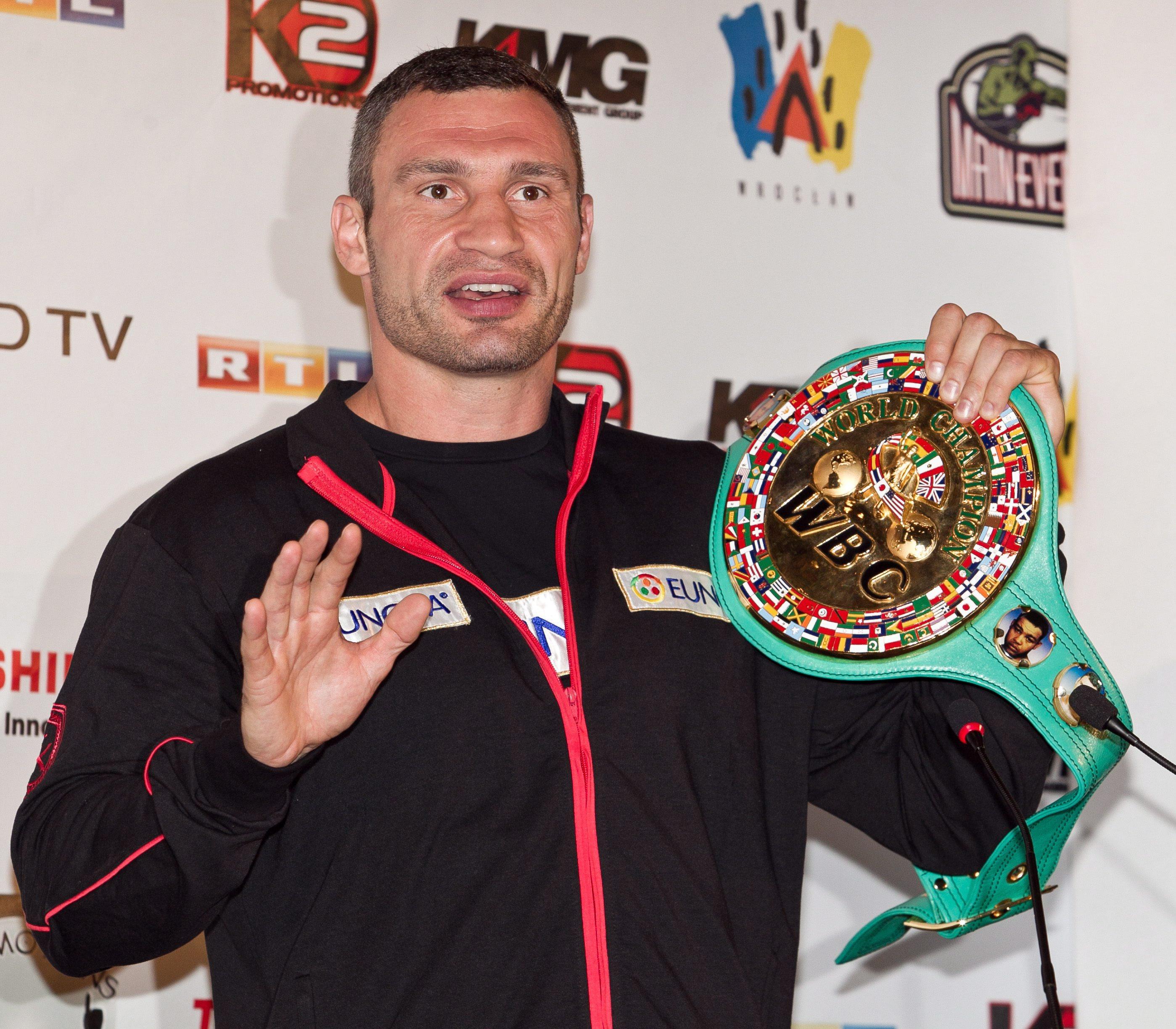 Хей и големият Кличко си уговарят бой през март