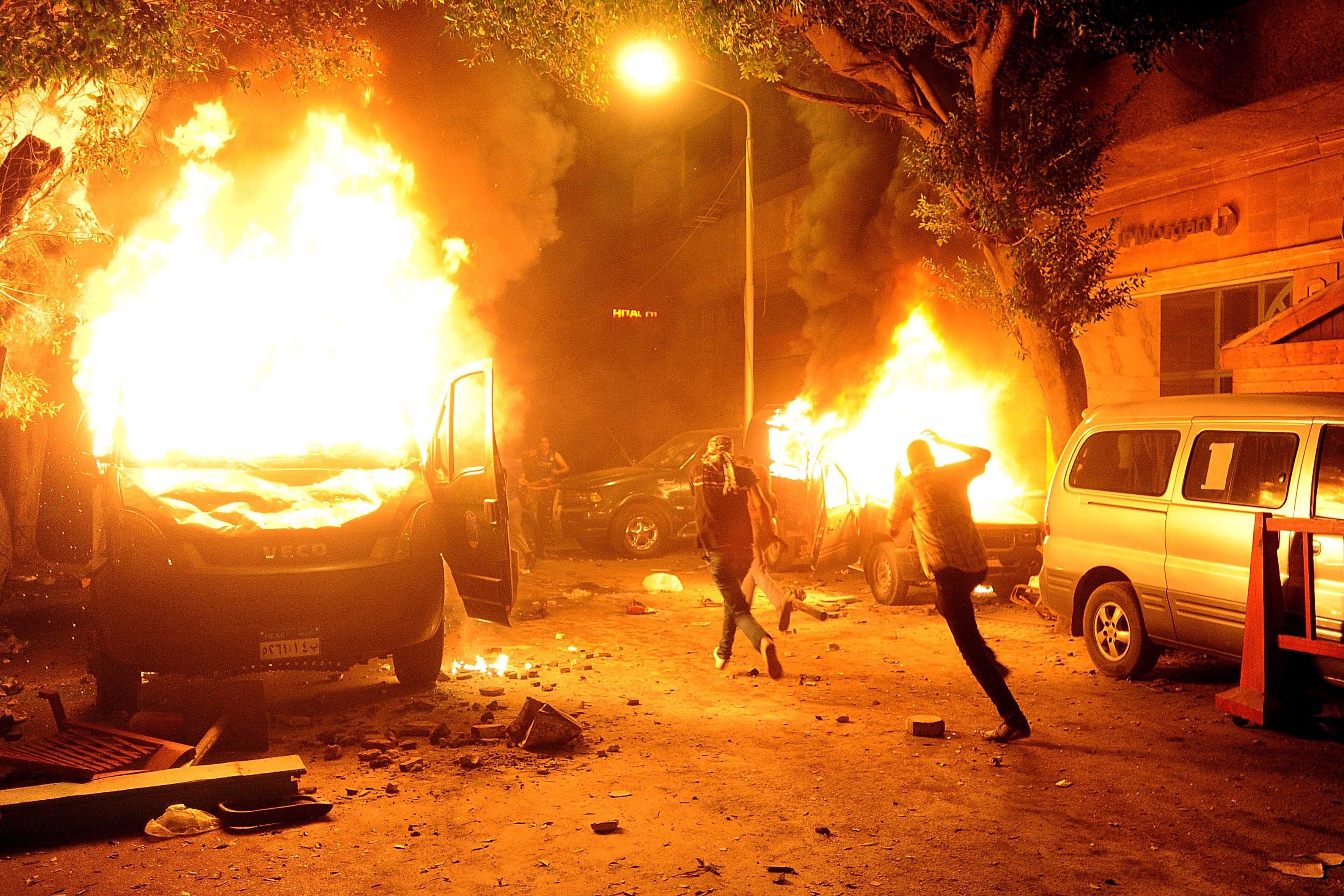 Десетки загинаха при християнски бунт в Кайро