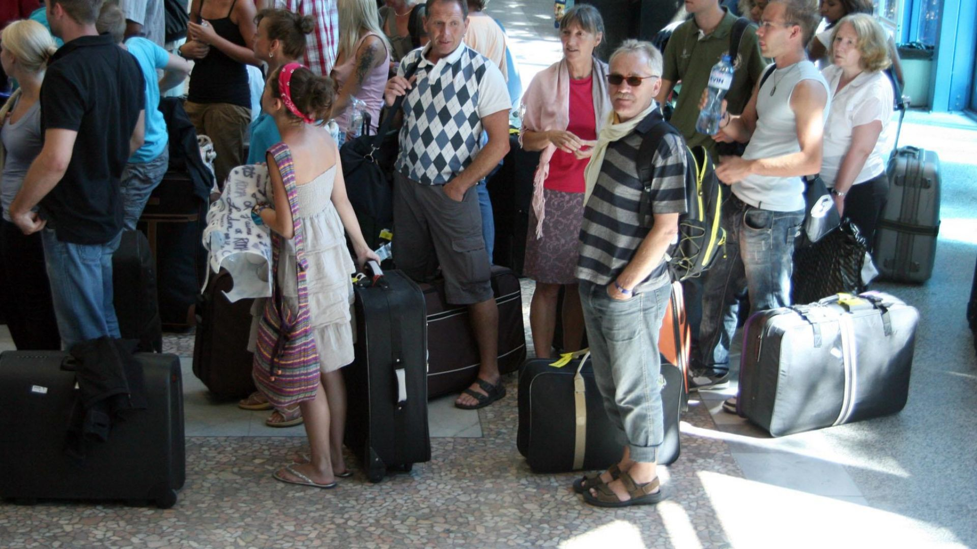 130 русначета са извозени по спешност със самолет от България