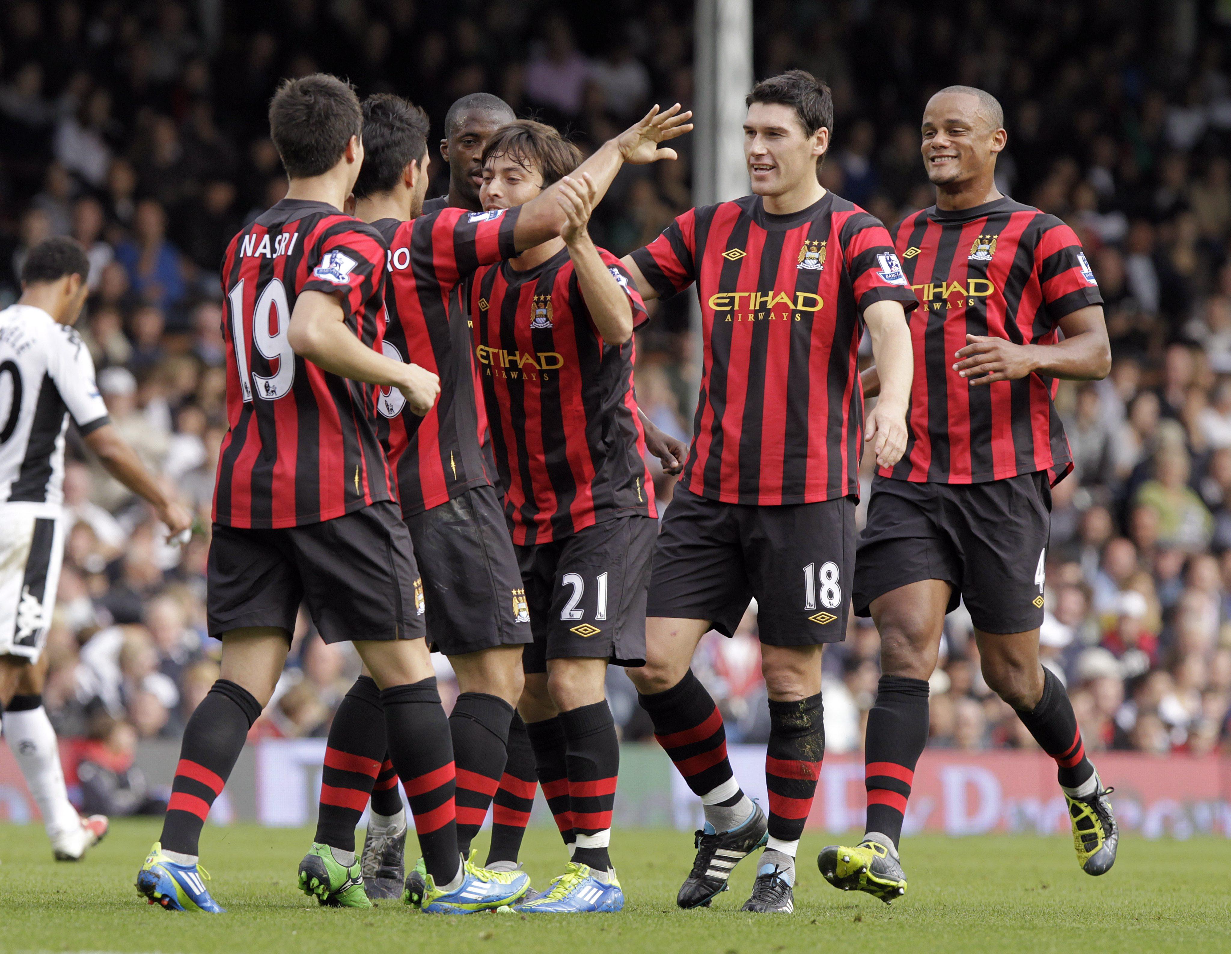 Сити отново дръпна с 3 точки пред Юнайтед
