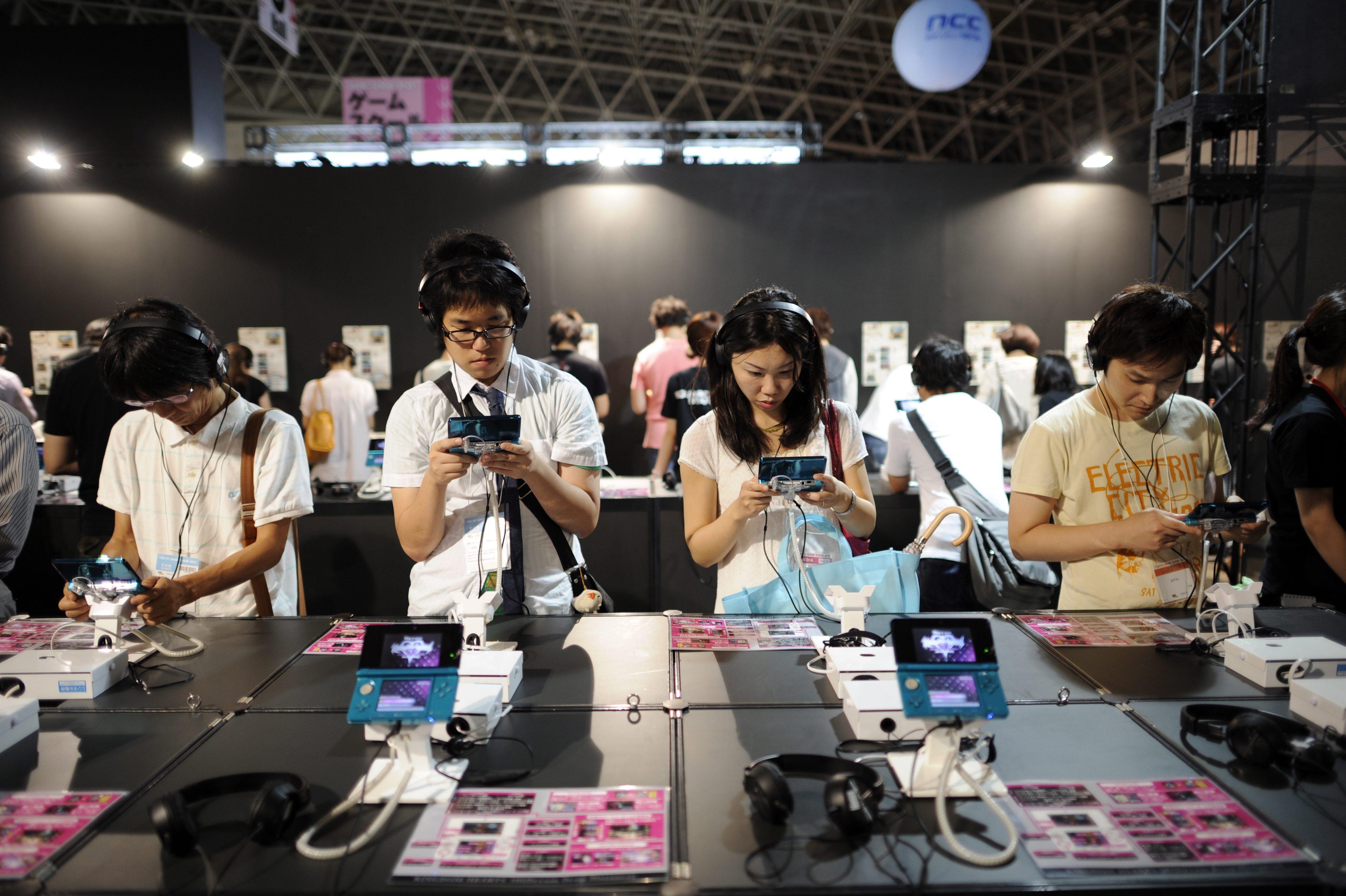 Скука на Tokyo Game Show 2011