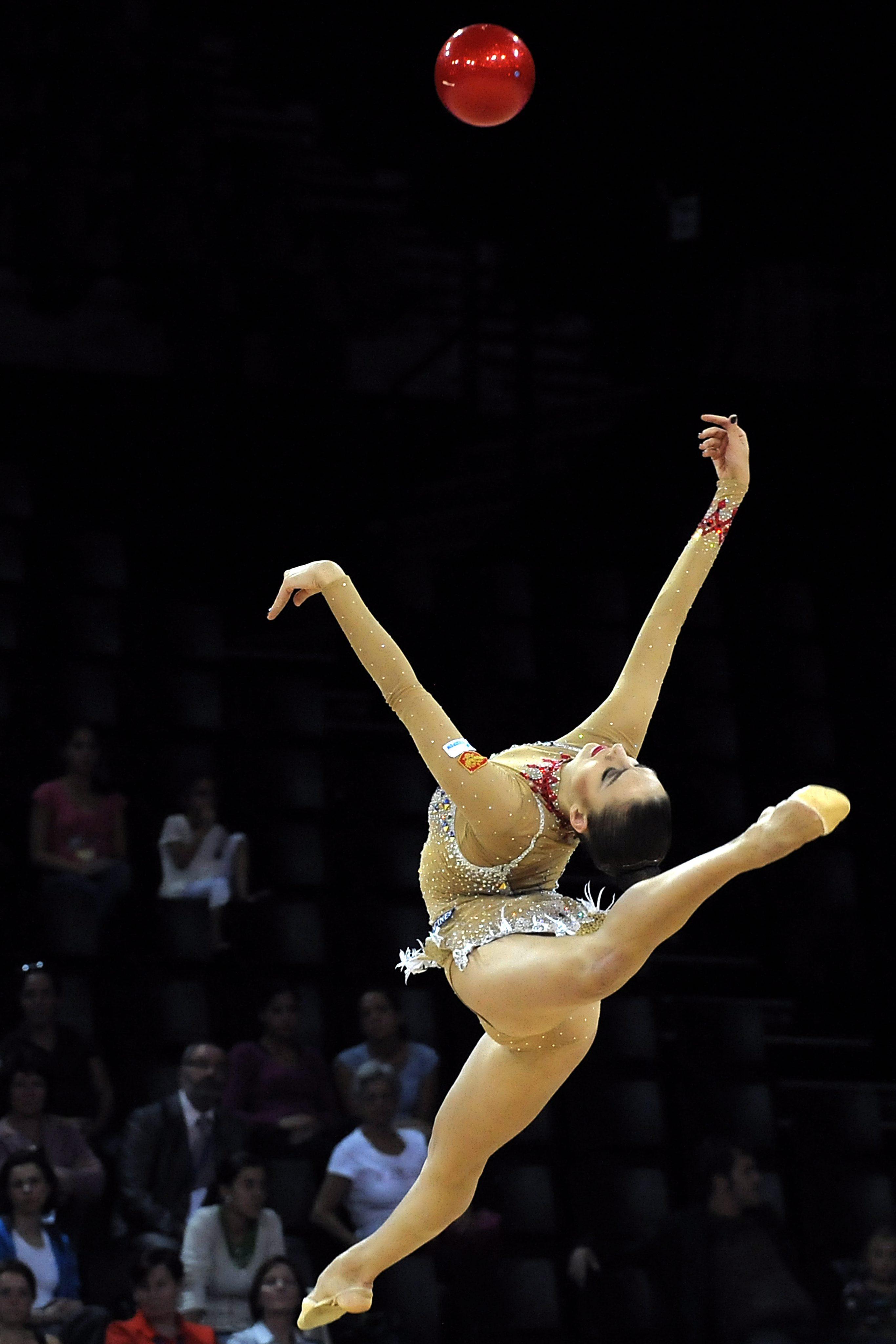 Българският ансамбъл спечели бронзов медал в съчетанието с 5 топки (видео)