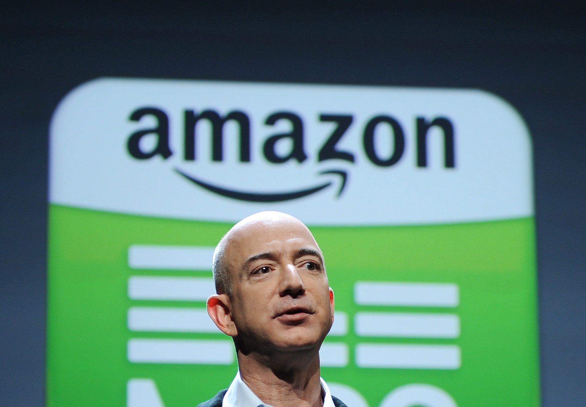 Собственикът на Амазон е най-богатият в модерната история