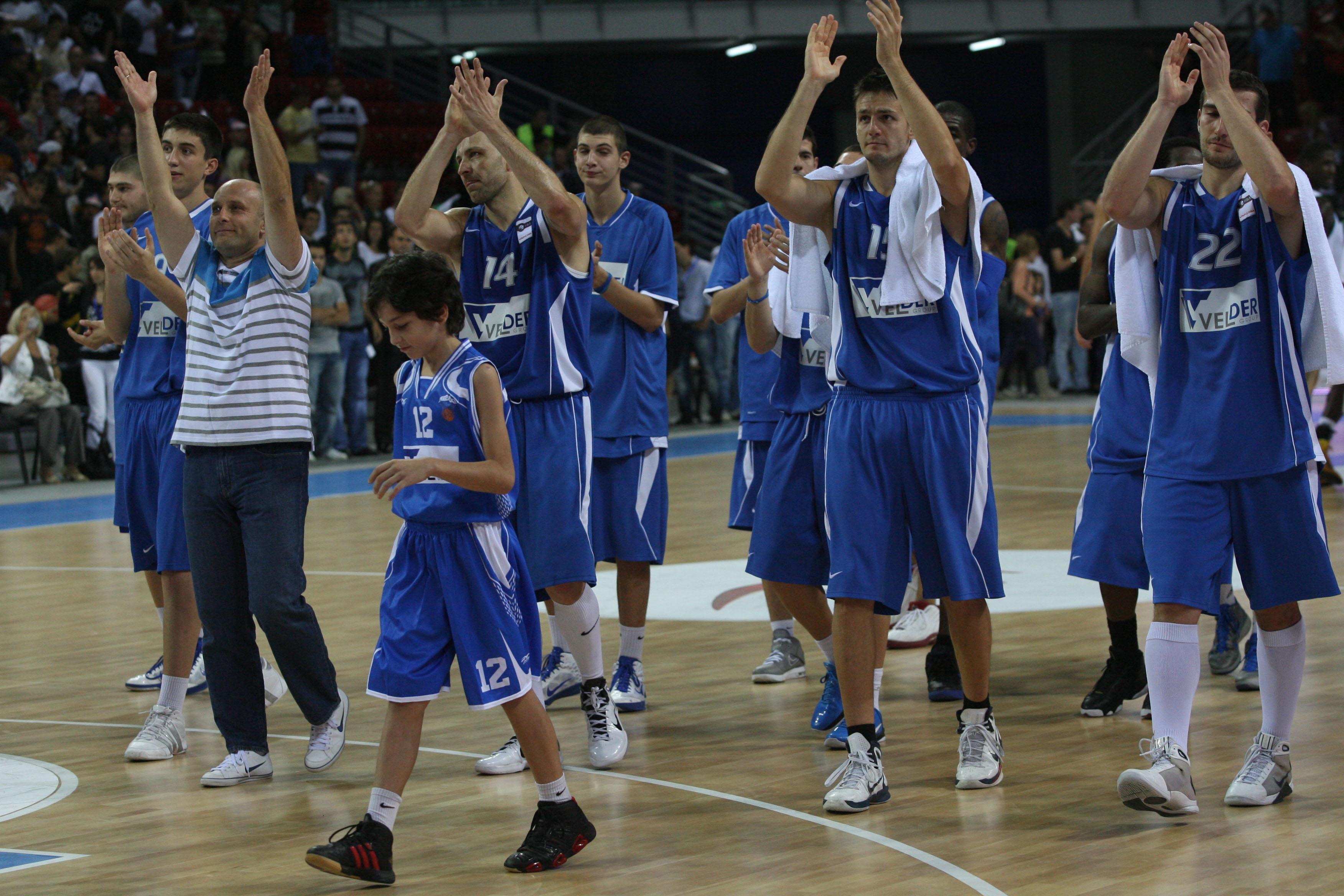 Инфарктен финал за трета поредна победа на Левски в Балканската лига