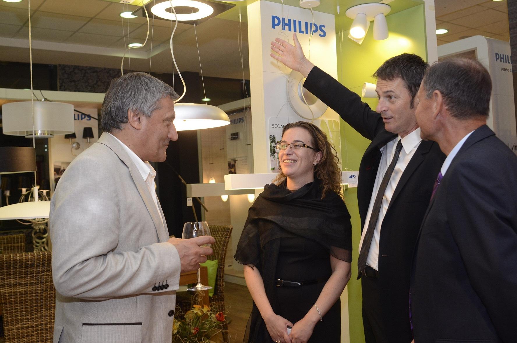 Philips отвори първи шоурум в България