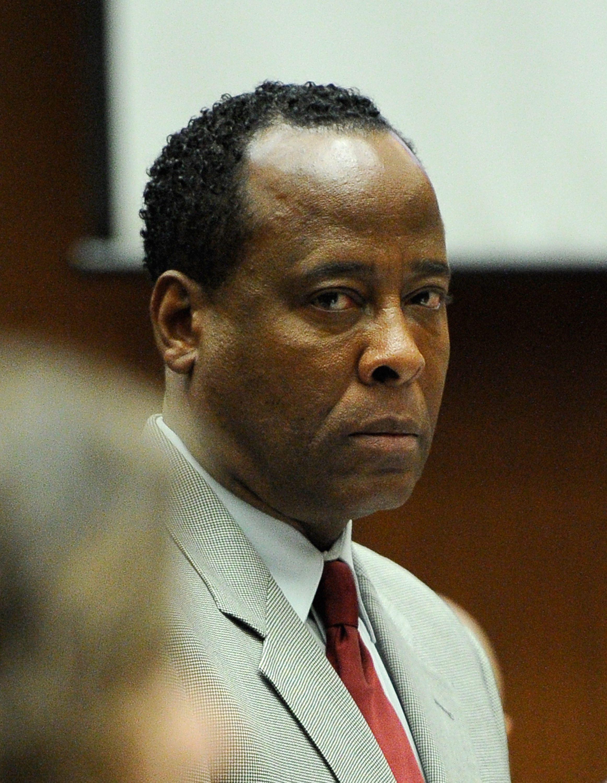Лекарят на Майкъл Джексън не издържа на живота в затвора