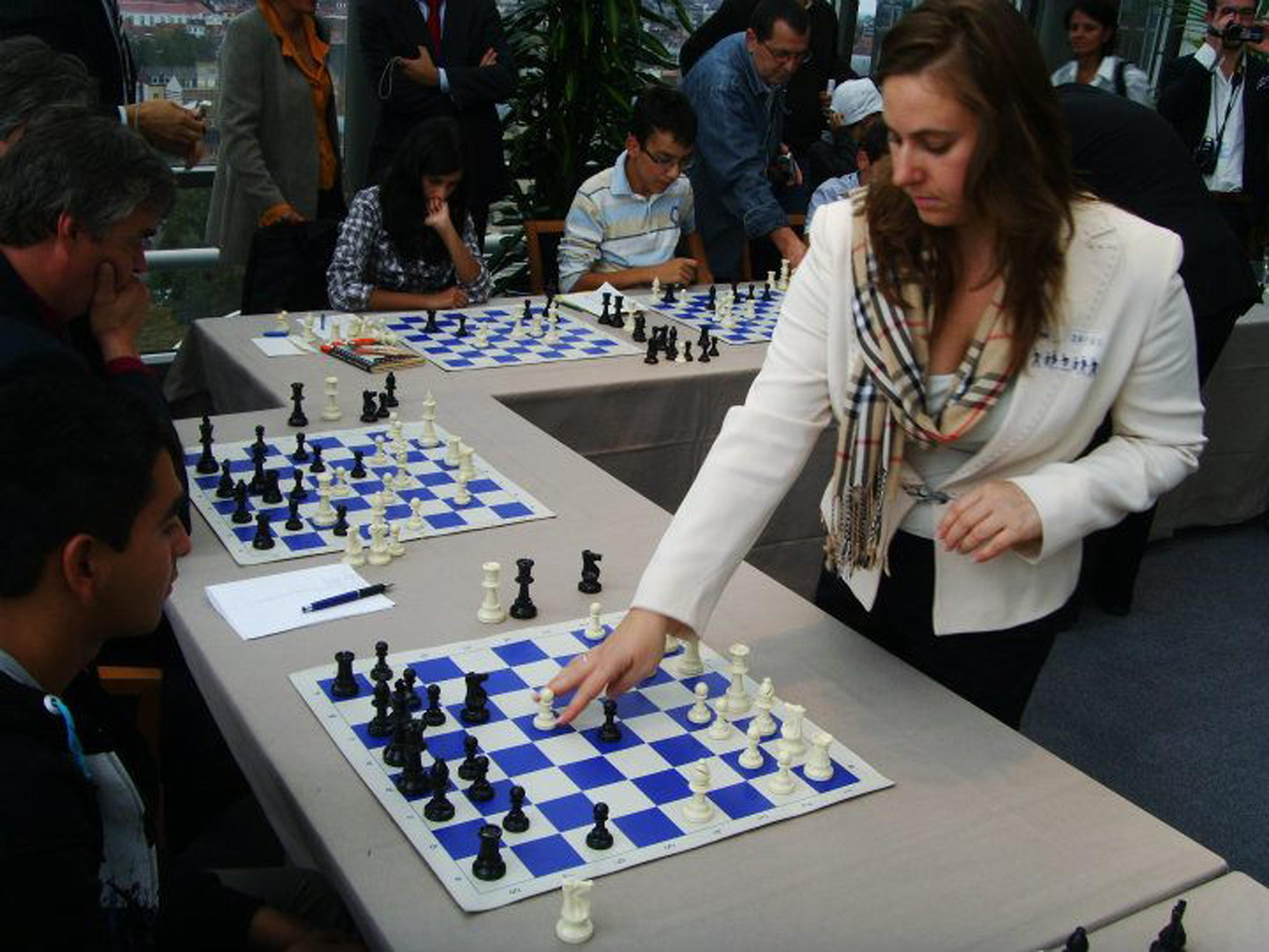 Загубихме от Азербайджан, жените победиха Германия на шахмат