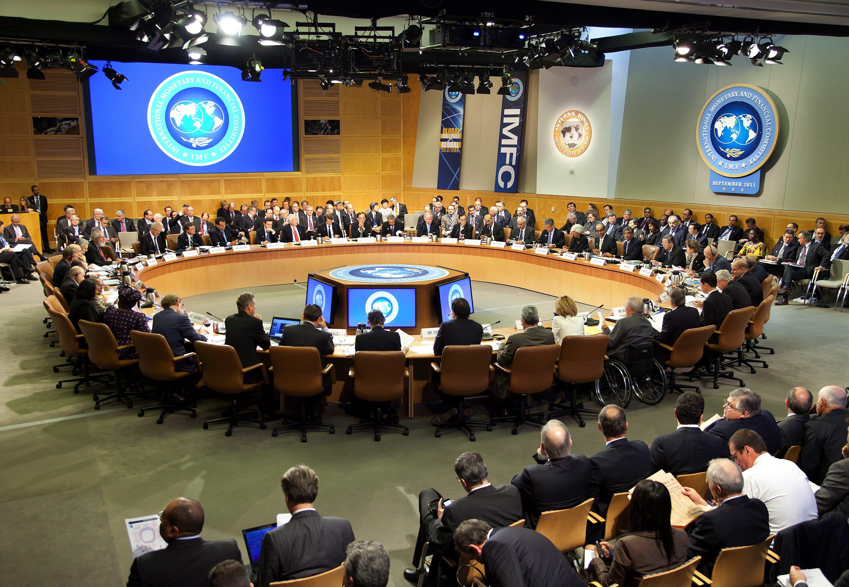 Поврат в МВФ: Стимули вместо бюджетни съкращения