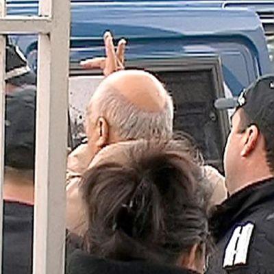 Ново обвинение срещу Цар Киро - за показан среден пръст