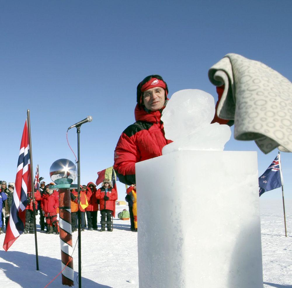 Норвежкият елит се събра на Южния полюс 100 г. след Амундсен