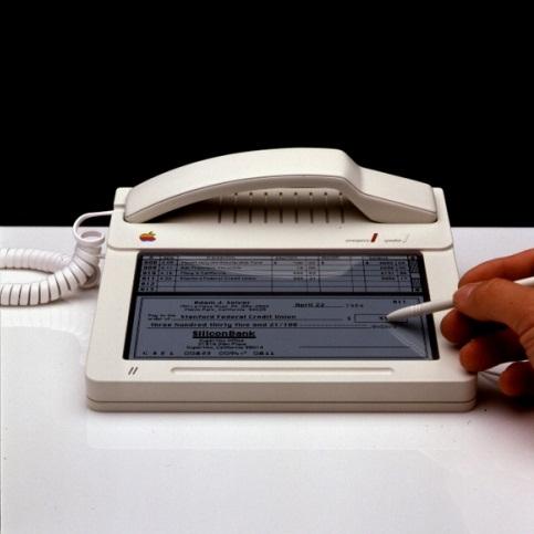 Сензорният телефон датира от 1983 г.