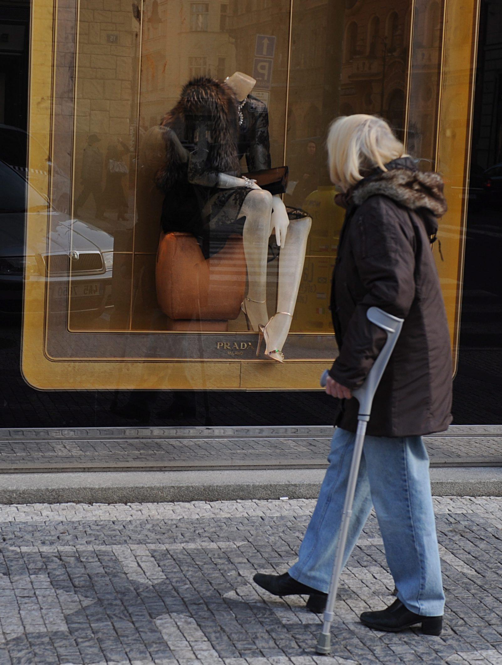 Икономиката ще се отлепи от дъното след лятото