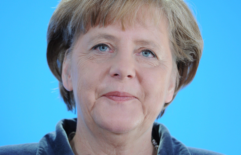 Меркел склони за увеличение на ЕСМ