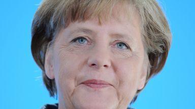 Германците разделени дали Меркел трябва да подаде оставка