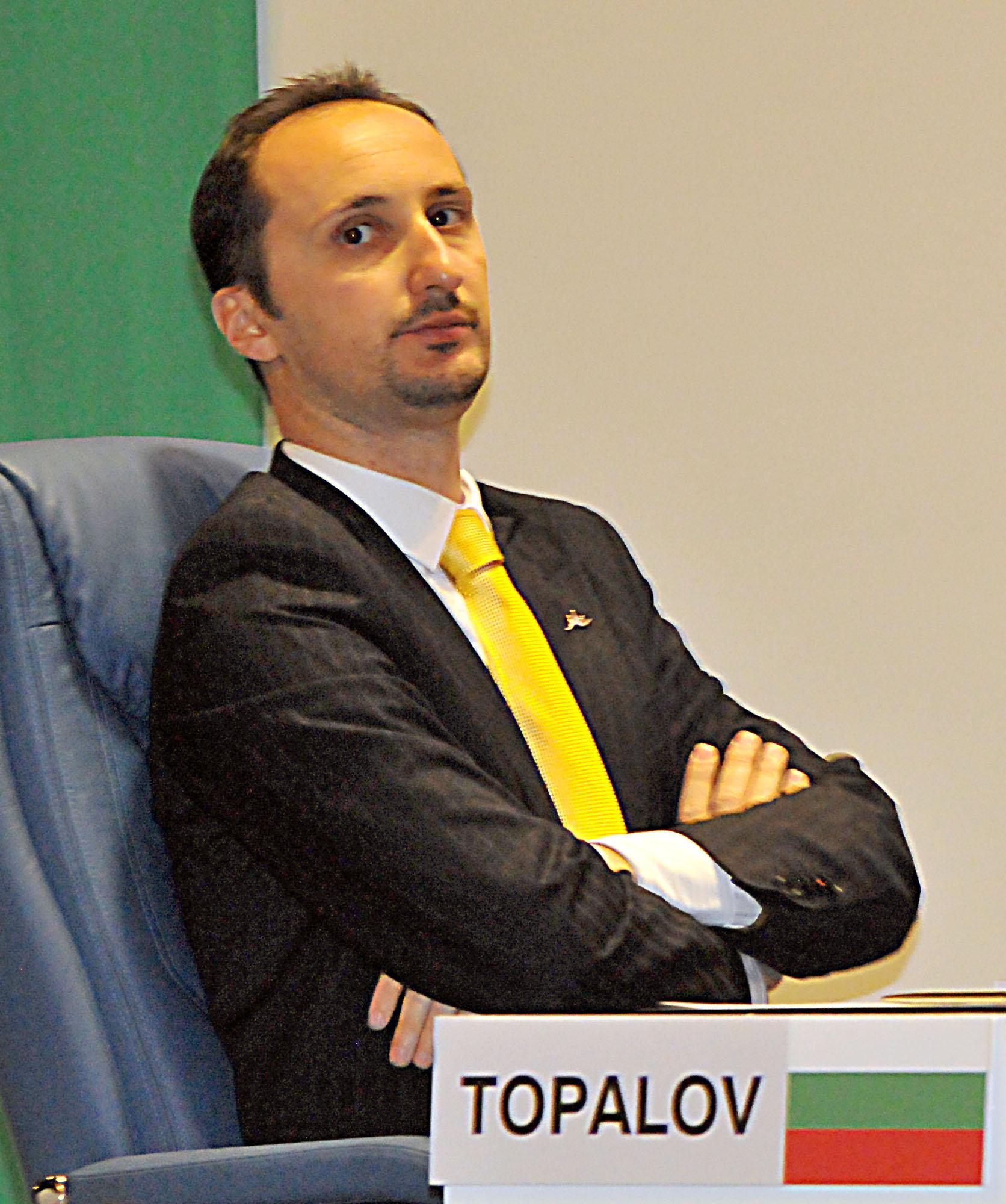 Веско Топалов води на турнир в Швейцария