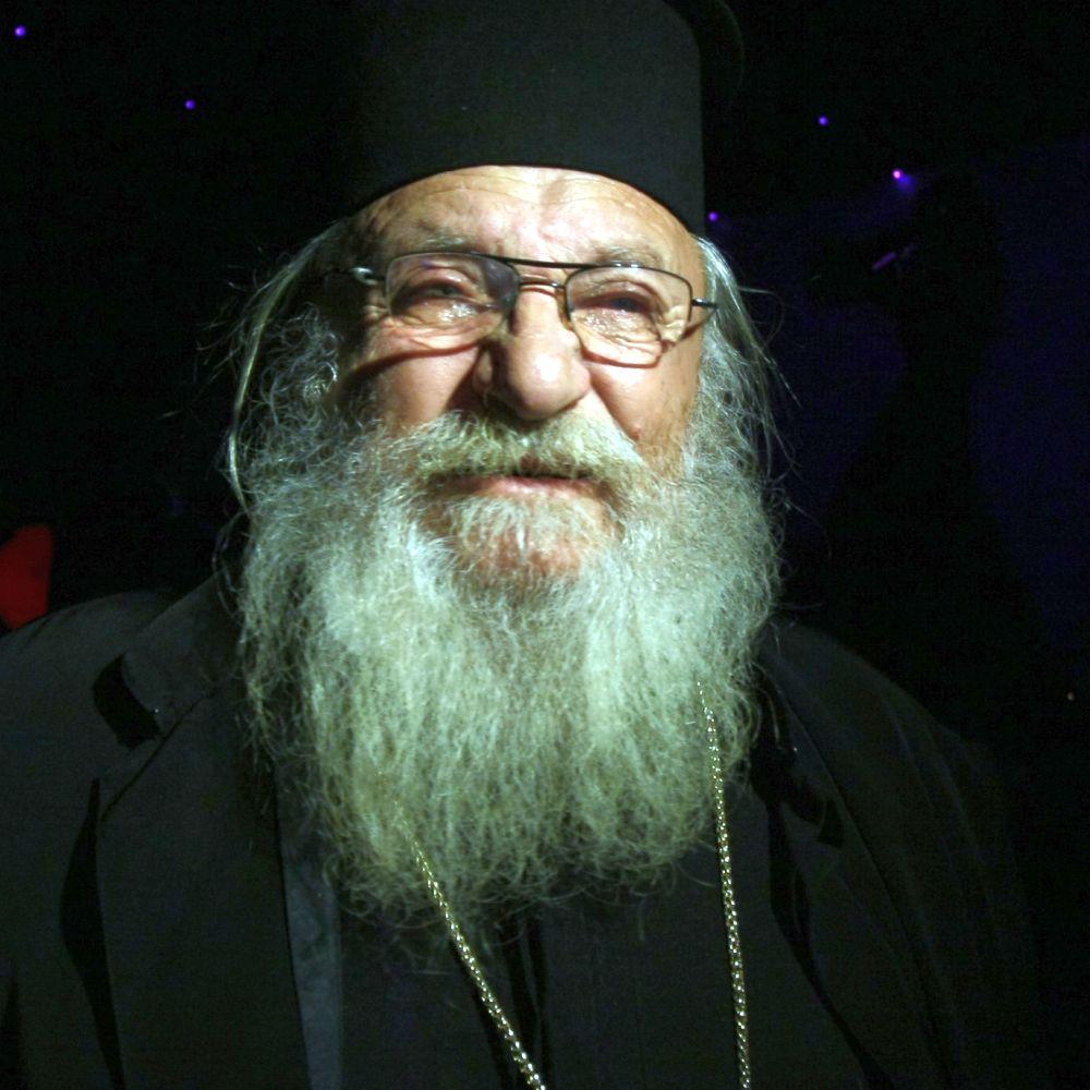 Германска агенция пише за мисията на отец Иван от Нови хан