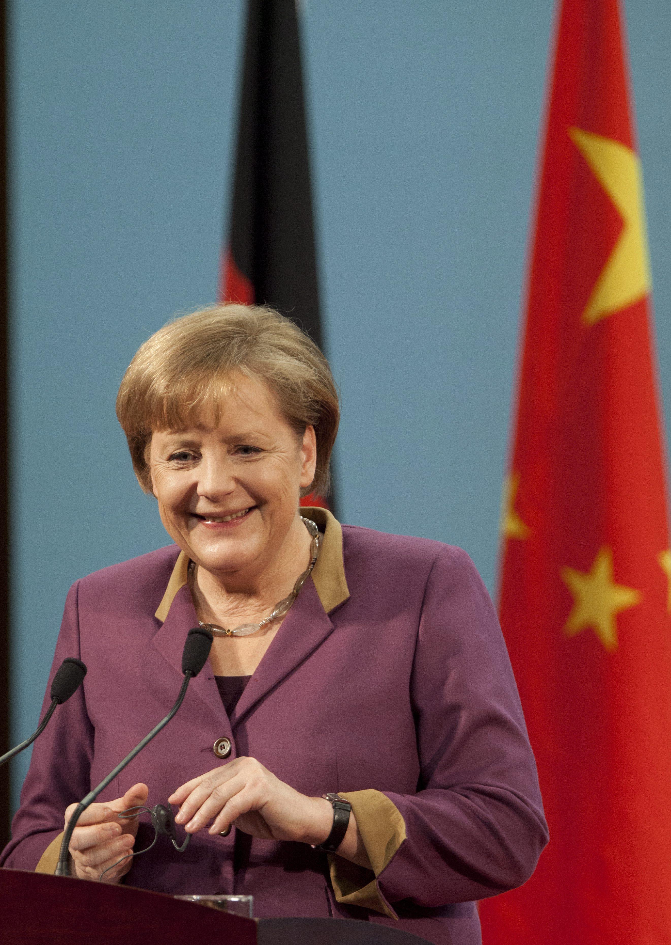 Меркел иска растеж чрез реформи, а не с дългове